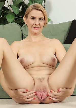 Free Spread Pussy Porn Pictures