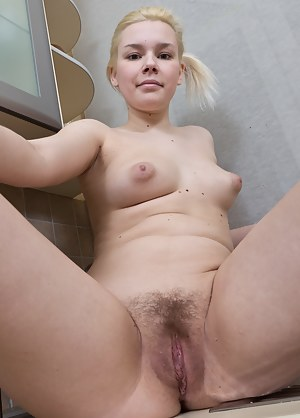 Free Young Pussy Porn Pictures