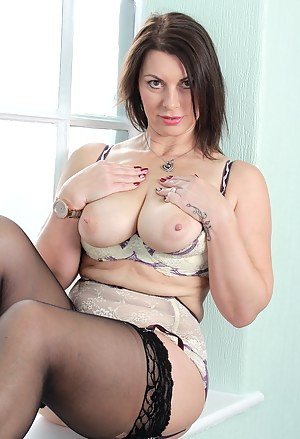 Free Stockings Porn Pictures